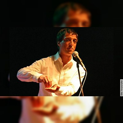 ROSENAU Poetry Slam - als Conférencier und Moderator Jan Siegert