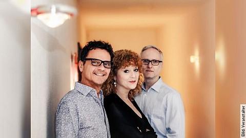 LYDIE AUVRAY Trio - 40 Jahre Bühne